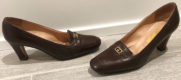 Vintage Gucci 1970s Sz 7.5 Chocolate Brown High Heel 70s Loafers Logo Shoes For Sale 3