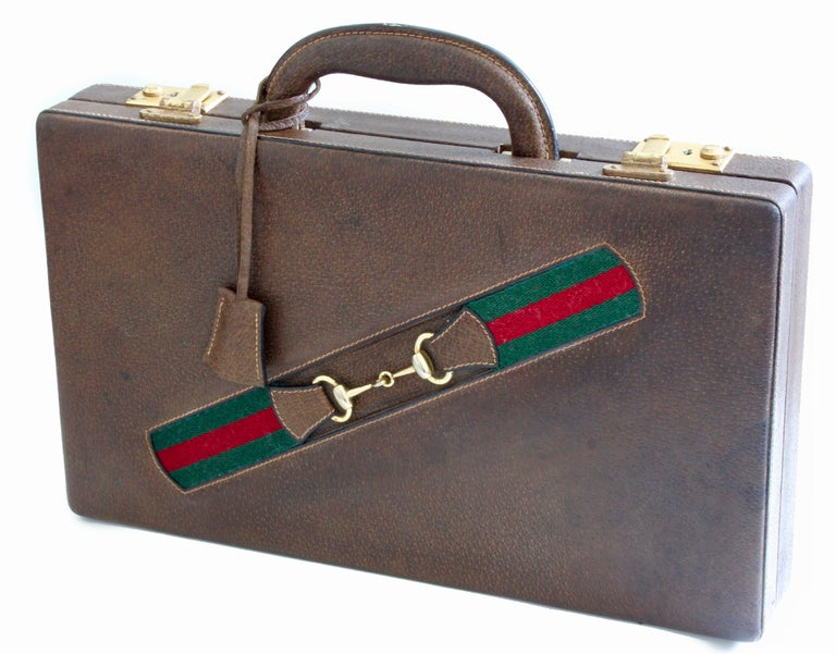 Women's or Men's Vintage Gucci Backgammon Game Travel Leather Case Horse-bit Webbing 70s  For Sale