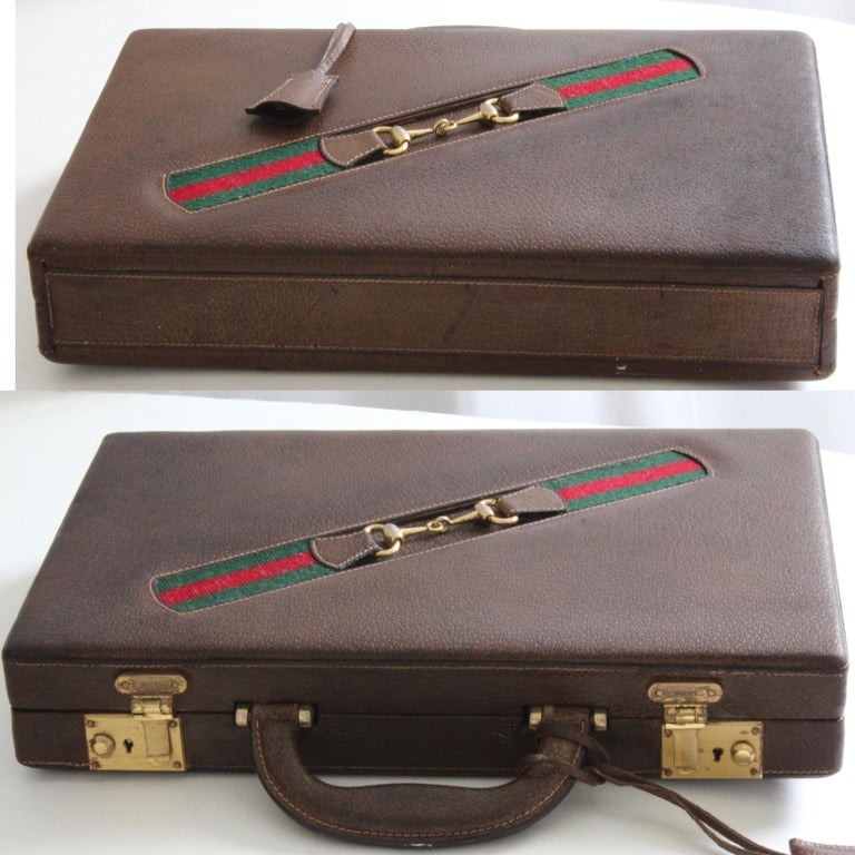 Vintage Gucci Backgammon Game Travel Leather Case Horse-bit Webbing 70s  For Sale 3