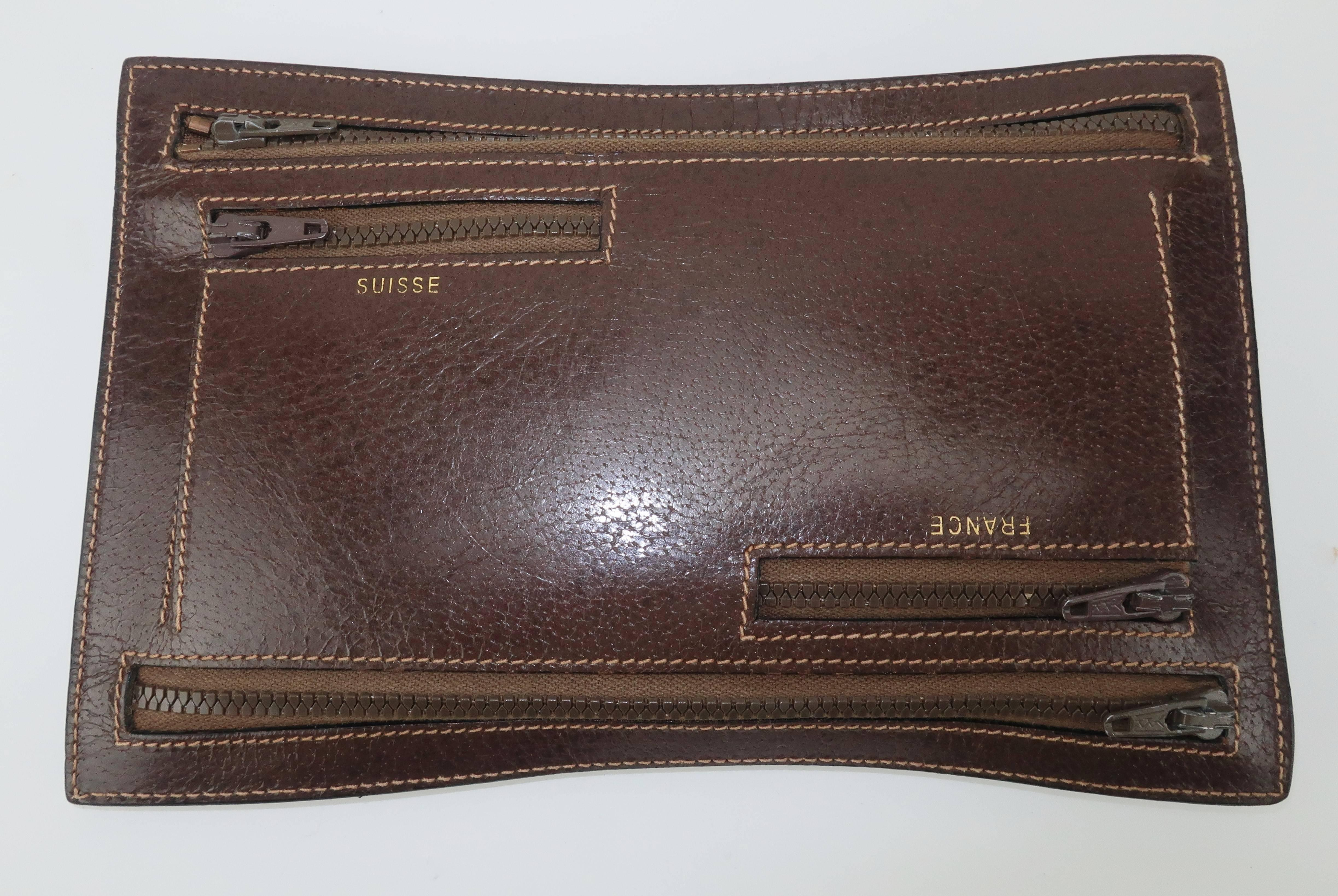 4d4ca199ee94d2 Vintage Gucci Brown Leather Travel Wallet Pouch For Sale at 1stdibs