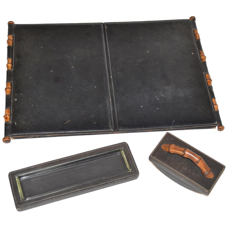 231a07a9e Vintage Gucci Desk Set in Black Leather and Wood For Sale at 1stdibs
