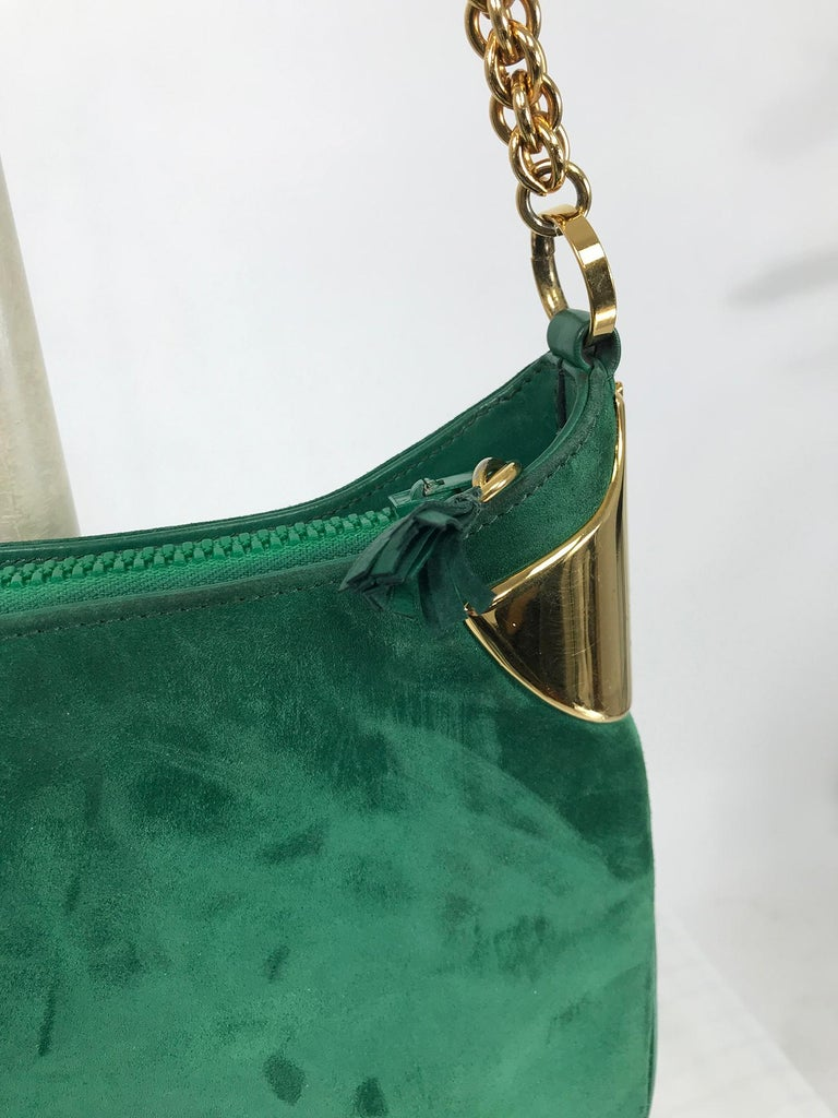 Vintage Gucci Forest Green Suede with Gold Chain and Gold Hardware 1980s In Good Condition For Sale In West Palm Beach, FL