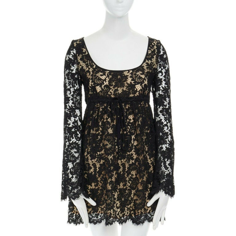 Black vintage GUCCI TOM FORD SS96 runway black lace scoop flare sleeve mini dress S For Sale
