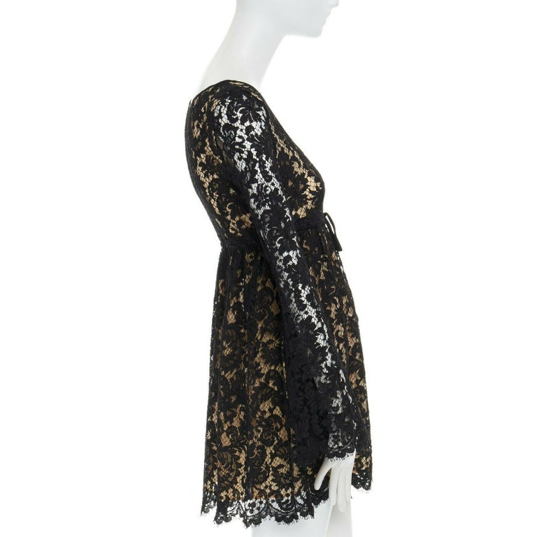vintage GUCCI TOM FORD SS96 runway black lace scoop flare sleeve mini dress S In Excellent Condition For Sale In Hong Kong, NT