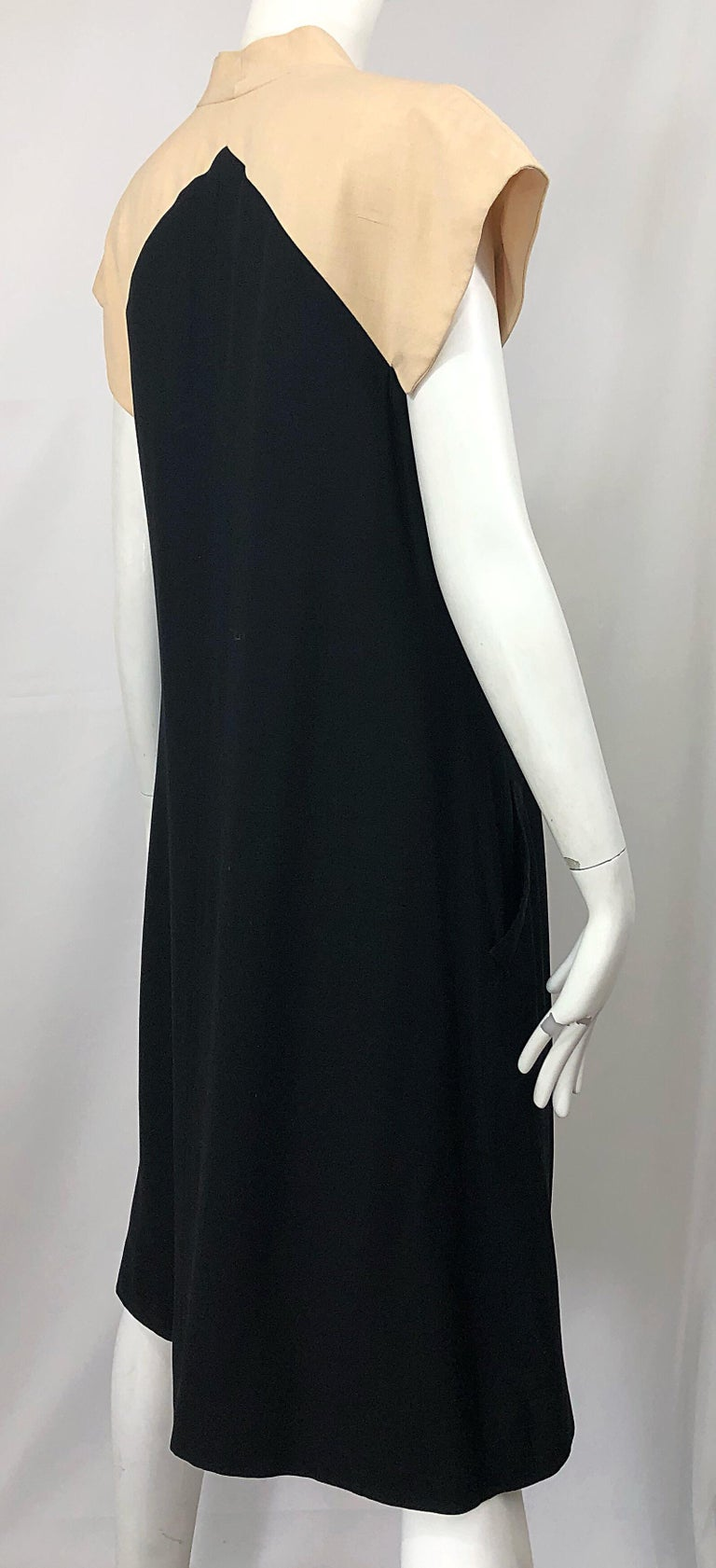 Vintage Halston 1970s Optical Illusion Black + Khaki 70s Trapeze Dress For Sale 6
