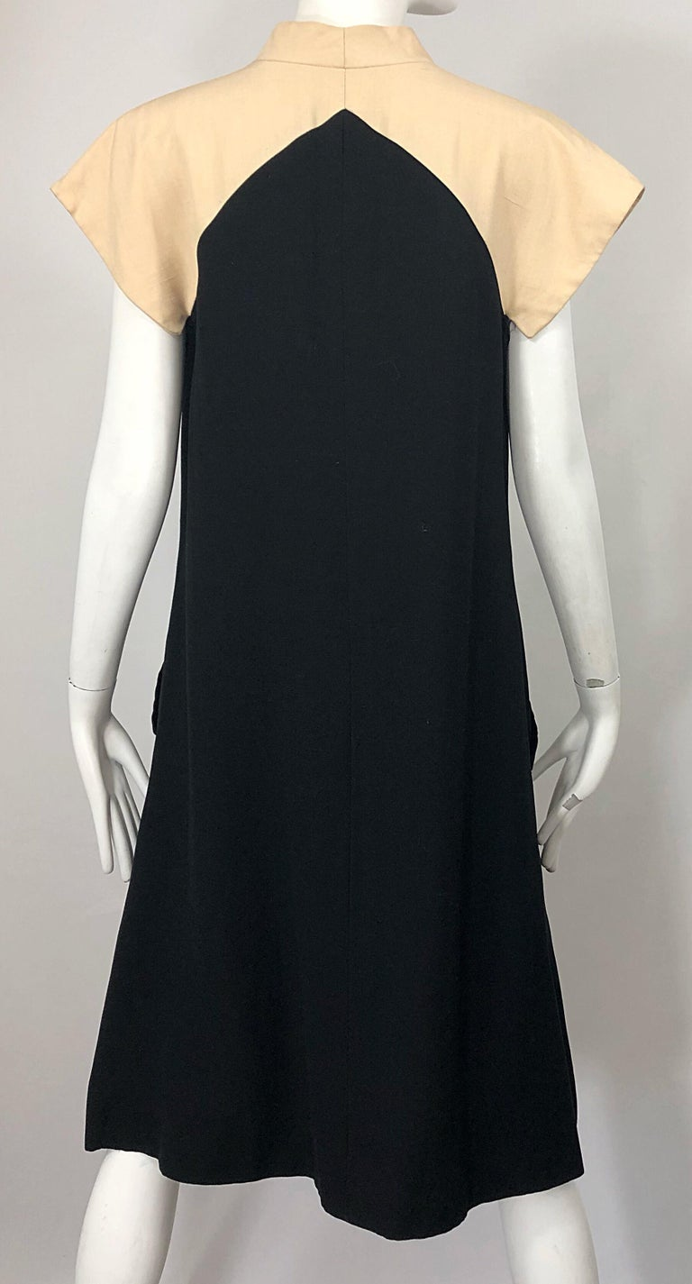 Vintage Halston 1970s Optical Illusion Black + Khaki 70s Trapeze Dress For Sale 7