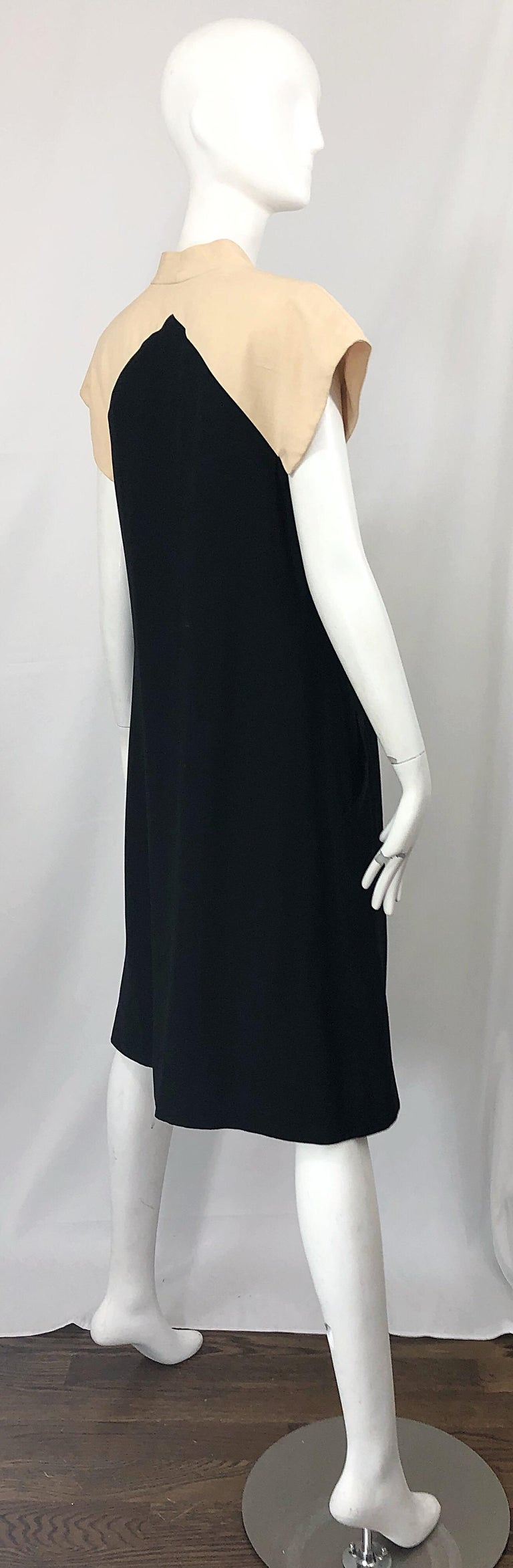 Vintage Halston 1970s Optical Illusion Black + Khaki 70s Trapeze Dress For Sale 1