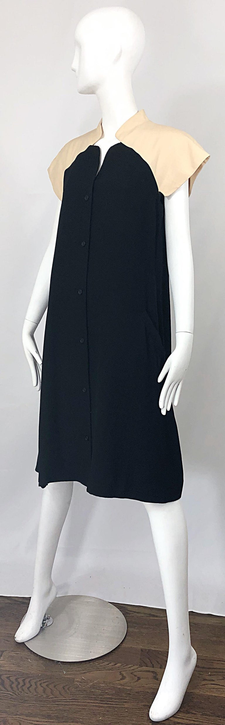 Vintage Halston 1970s Optical Illusion Black + Khaki 70s Trapeze Dress For Sale 5