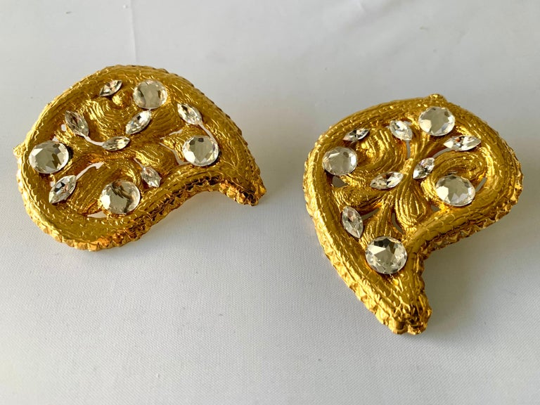 Women's Vintage Hammed Gold Jeweled Paisley Earrings  For Sale