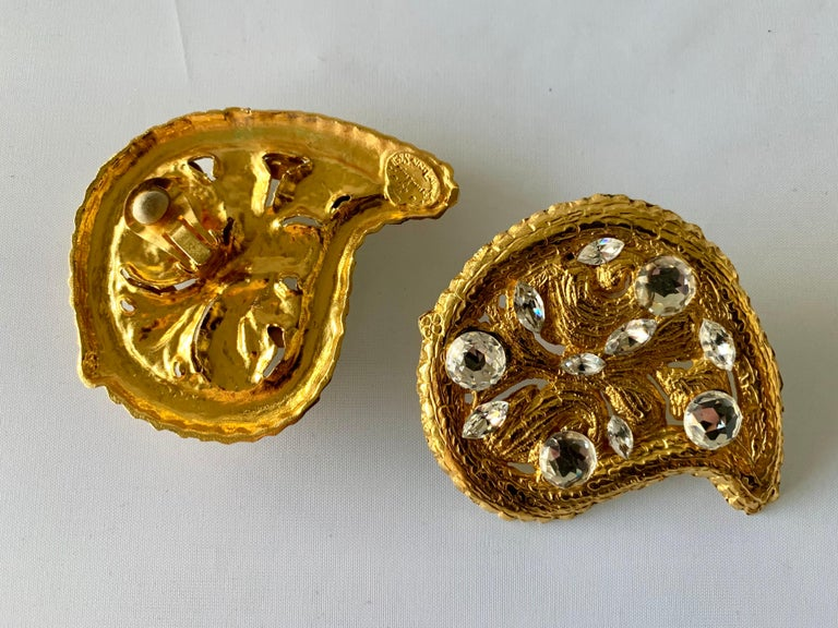 Vintage Hammed Gold Jeweled Paisley Earrings  For Sale 2