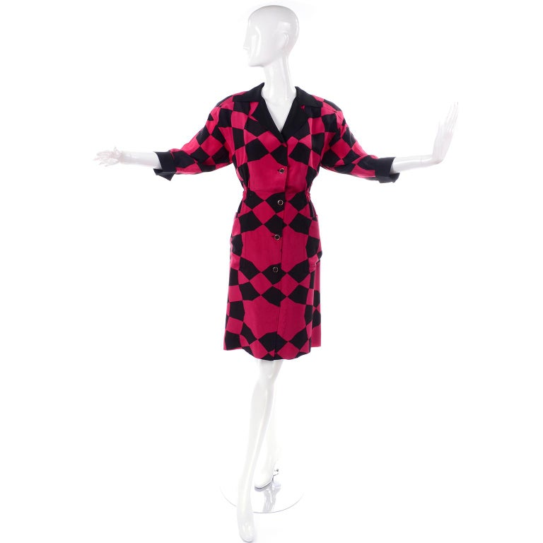 Vintage Hanae Mori Red and Black Geometric Abstract Harlequin Print Silk Dress In Excellent Condition For Sale In Portland, OR
