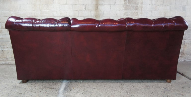Vintage Hancock & Moore Red Burgundy Leather Tufted Chesterfield Sofa Couch For Sale 3