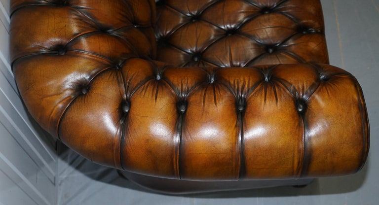 Vintage Hand Dyed Fully Restored Whisky Brown Pleated Leather Chesterfield Sofa For Sale 2