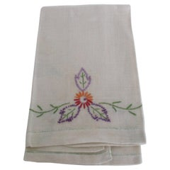 Vintage Hand Embroidered Floral Guest Towel