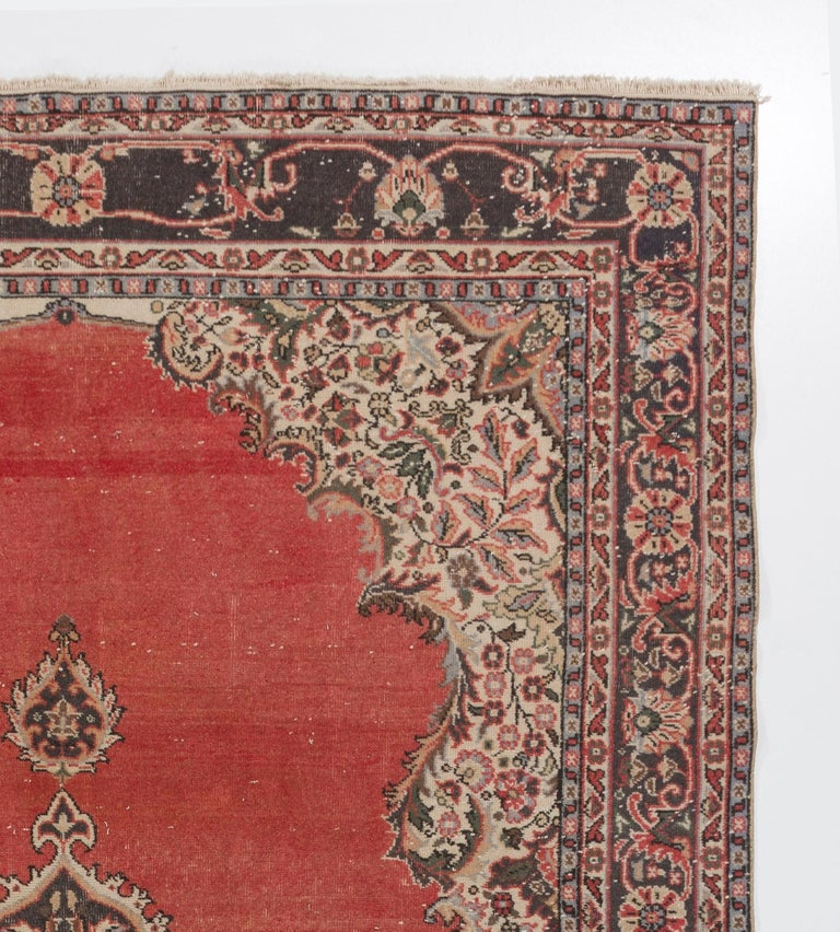 Vintage Hand Knotted Turkish Oushak Rug In Good Condition For Sale In Philadelphia, PA