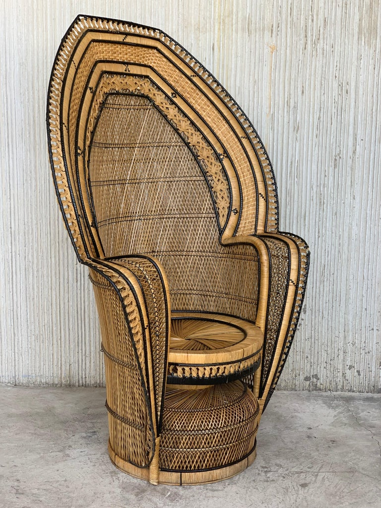 Vintage Handcrafted Wicker, Rattan and Reed Peacock Chair In Good Condition For Sale In Miami, FL