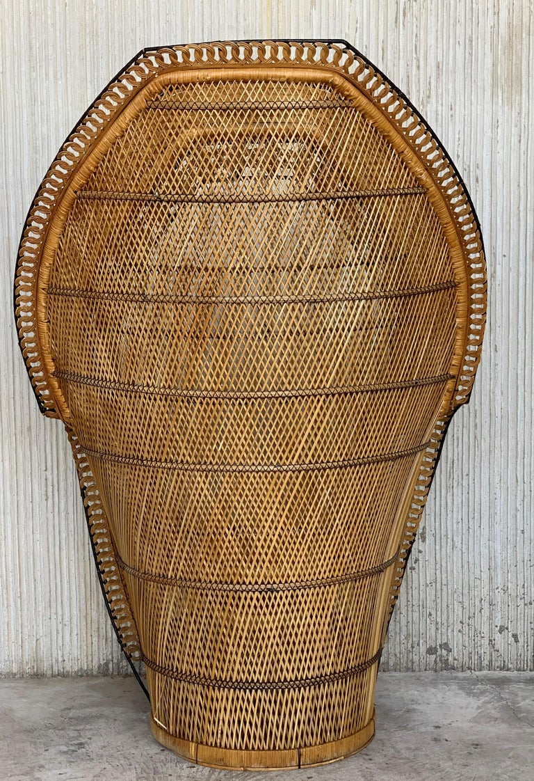 Vintage Handcrafted Wicker, Rattan and Reed Peacock Chair For Sale 1