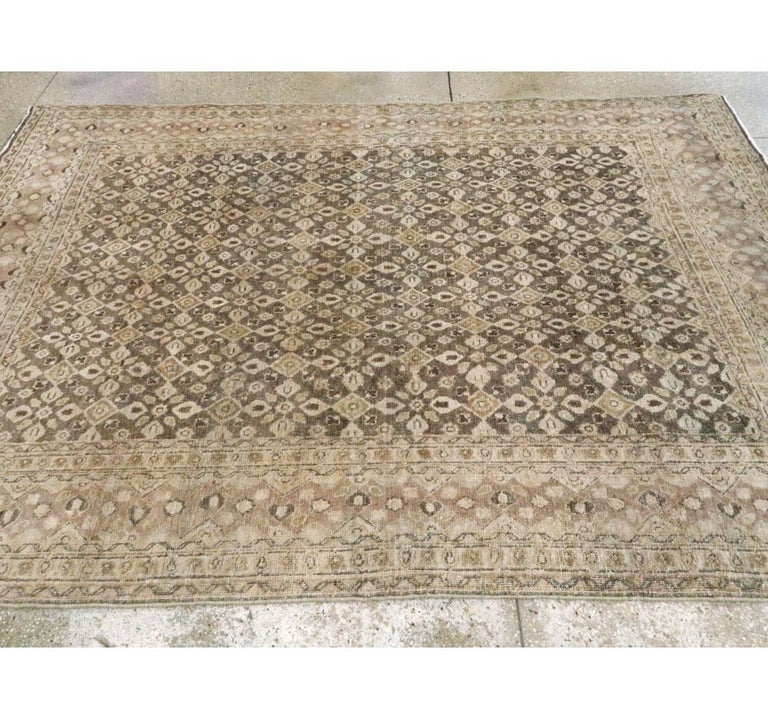 Vintage Handmade Persian Mahal Accent Rug In Good Condition For Sale In New York, NY
