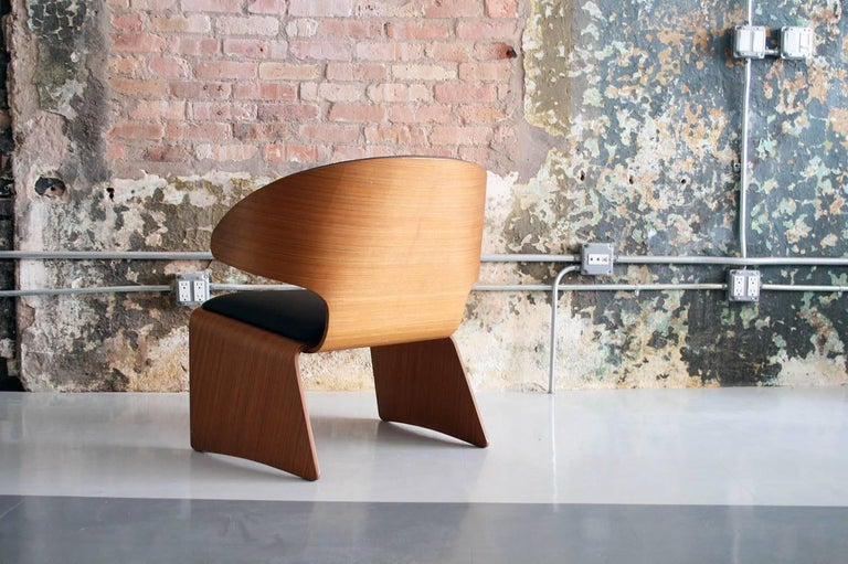 Bikini chair designed by Hans Olsen and manufactured by Frem Rojle. Newly upholstered.