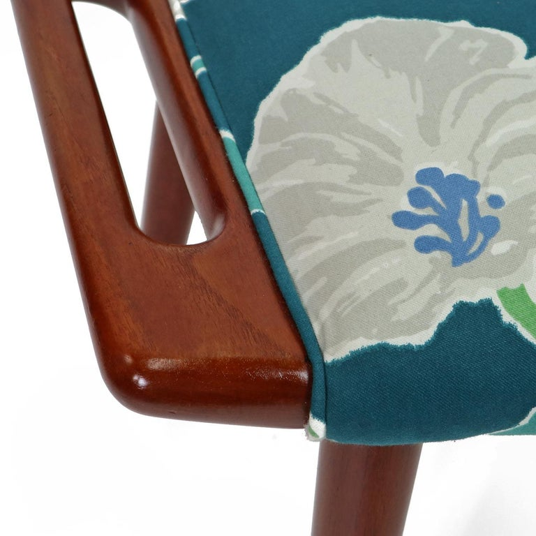 Vintage Hans Wegner Papa Bear Chair Set with Ottoman in Floral Print For Sale 5