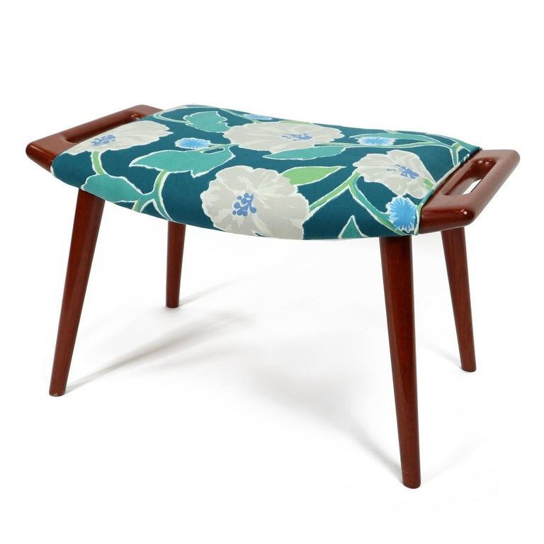 Vintage Hans Wegner Papa Bear Chair Set with Ottoman in Floral Print For Sale 3