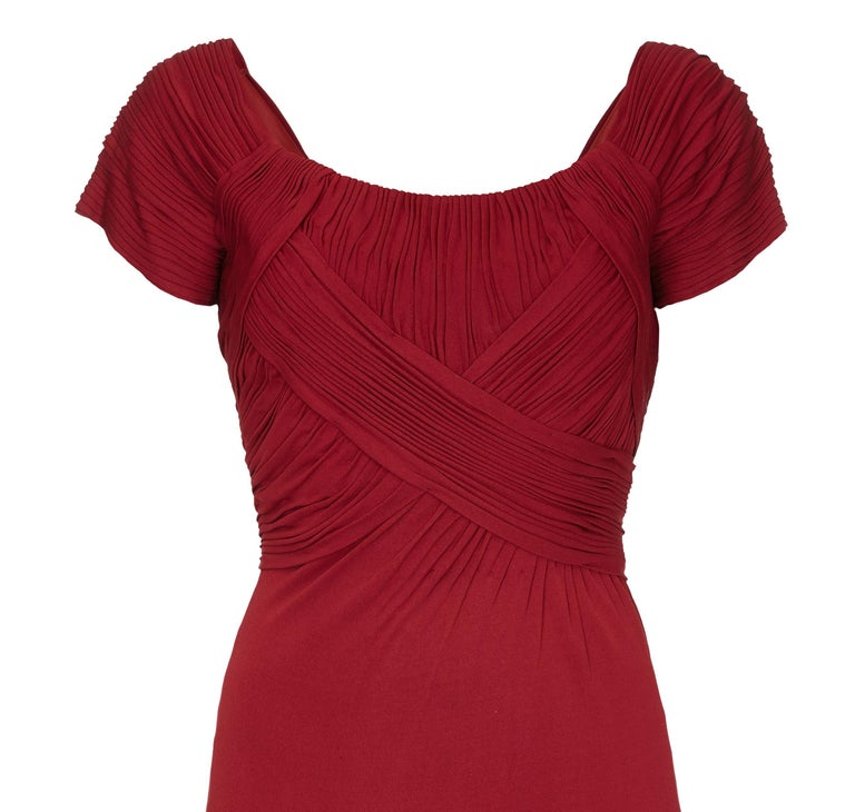 Vintage Harrods 1950s Burgundy Silk Jersey Dress With Pleated Bodice In Excellent Condition For Sale In London, GB