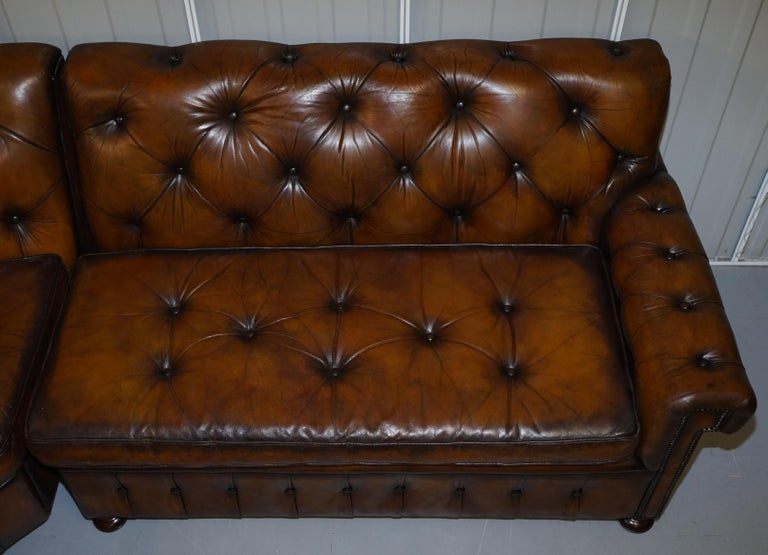 Vintage Harrods Chesterfield Hand Dyed Cigar Brown Leather Corner Sofa Walnut In Good Condition For Sale In London, GB
