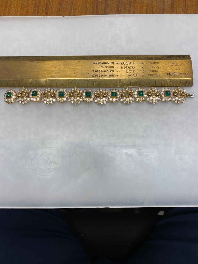 Round Cut Vintage Harry Winston Emerald Diamond Bracelet For Sale