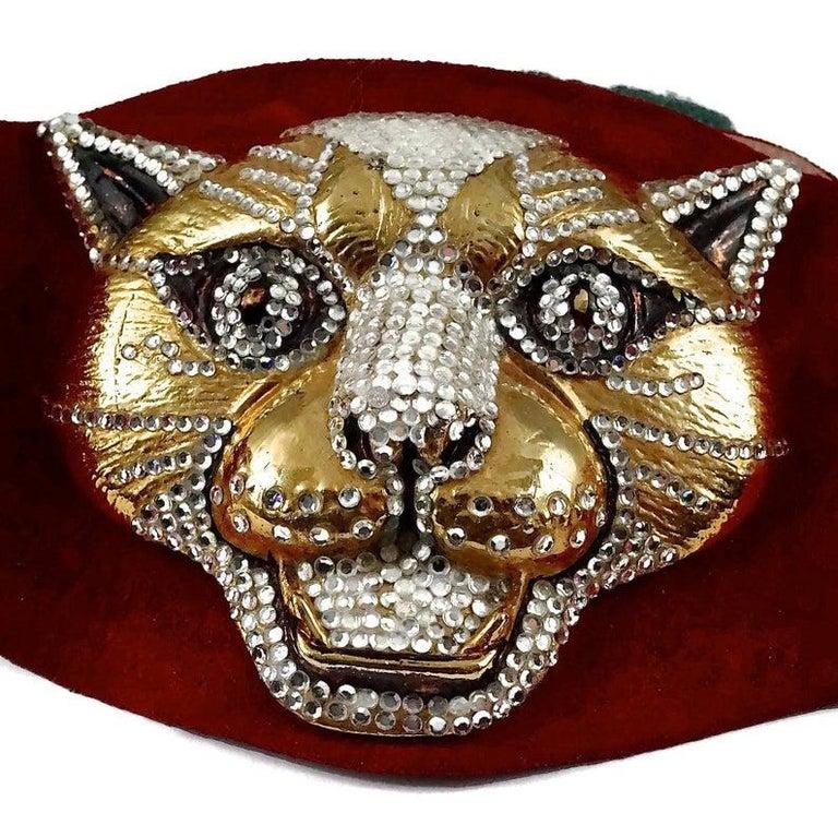 Vintage HENRYKS BIJOUX VIENNE Jewelled Leopard Head Red Suede Wide Belt For Sale 6