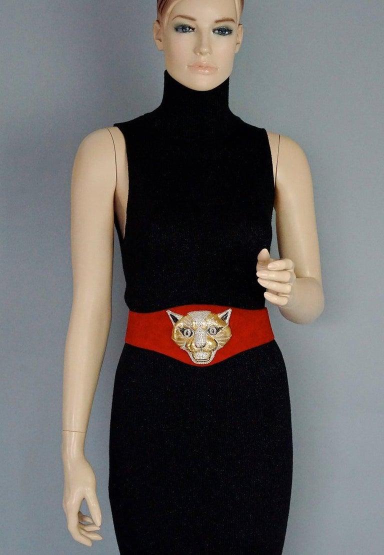 Vintage HENRYKS BIJOUX VIENNE Jewelled Leopard Head Red Suede Wide Belt For Sale 1