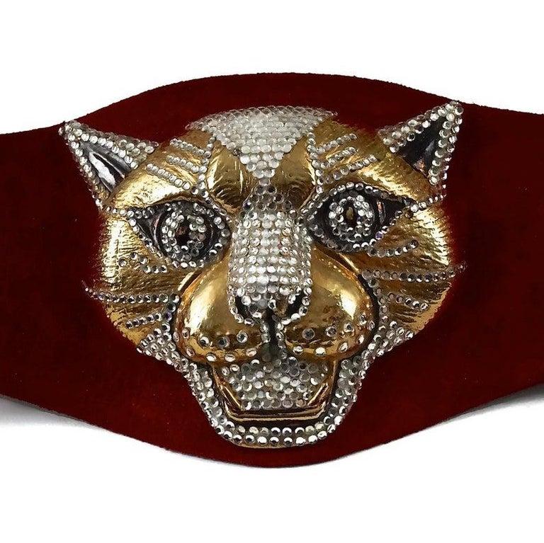 Vintage HENRYKS BIJOUX VIENNE Jewelled Leopard Head Red Suede Wide Belt For Sale 4