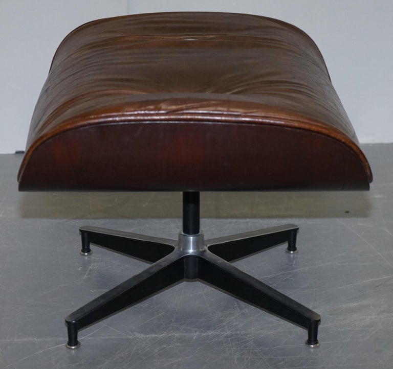 Vintage Heritage Aged Brown Leather Lounge Armchair & Ottoman Tufted Buttons For Sale 9