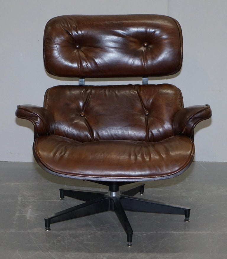 Mid-Century Modern Vintage Heritage Aged Brown Leather Lounge Armchair & Ottoman Tufted Buttons For Sale