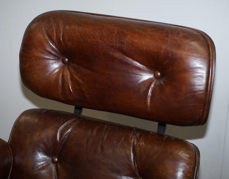English Vintage Heritage Aged Brown Leather Lounge Armchair & Ottoman Tufted Buttons For Sale