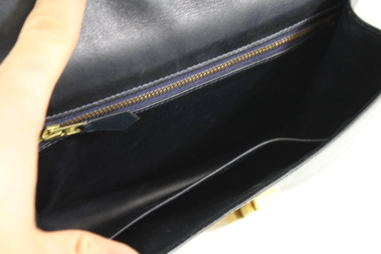 Hermes Vintage Constance Navy Bag in Navy leather and Golden Hardware In Good Condition For Sale In Paris, FR