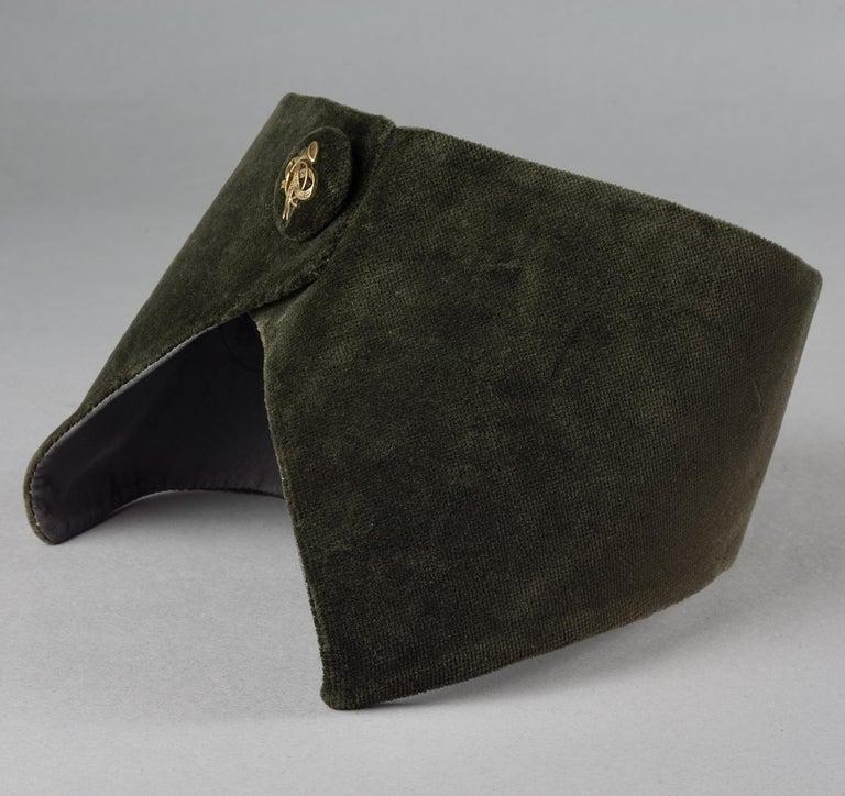 Vintage HERMES Gold Horn Moss Green Velvet Tuxedo Belt In Excellent Condition For Sale In Kingersheim, Alsace