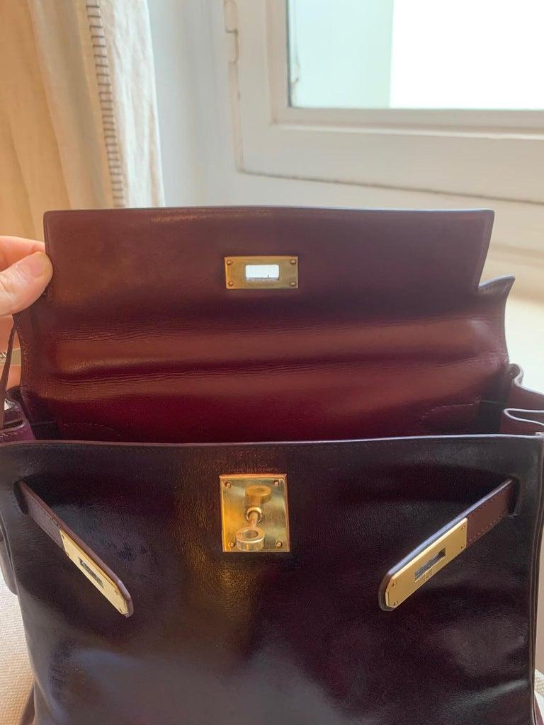Vintage Hermès Kelly 28cm 1960 Burgundy leather In Good Condition In Paris, FR