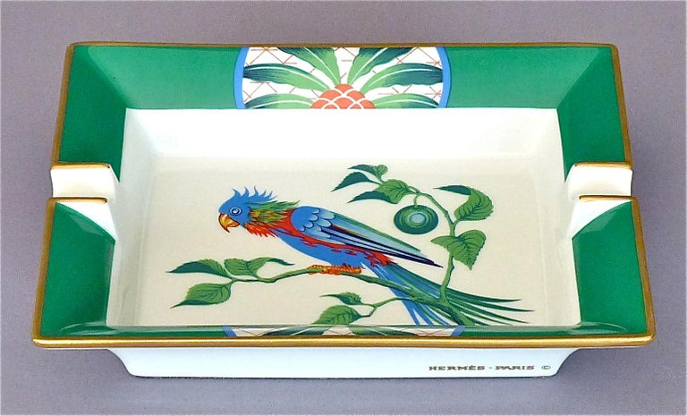 French Vintage Hermès Paris Porcelain Ashtray Parakeet Bird Motif Gilt Green Red Blue For Sale