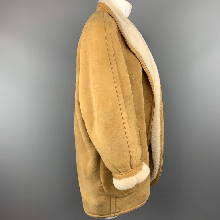 Vintage HERMES Size 10 Tan & Cream Shearling Coat / Jacket In Good Condition For Sale In San Francisco, CA