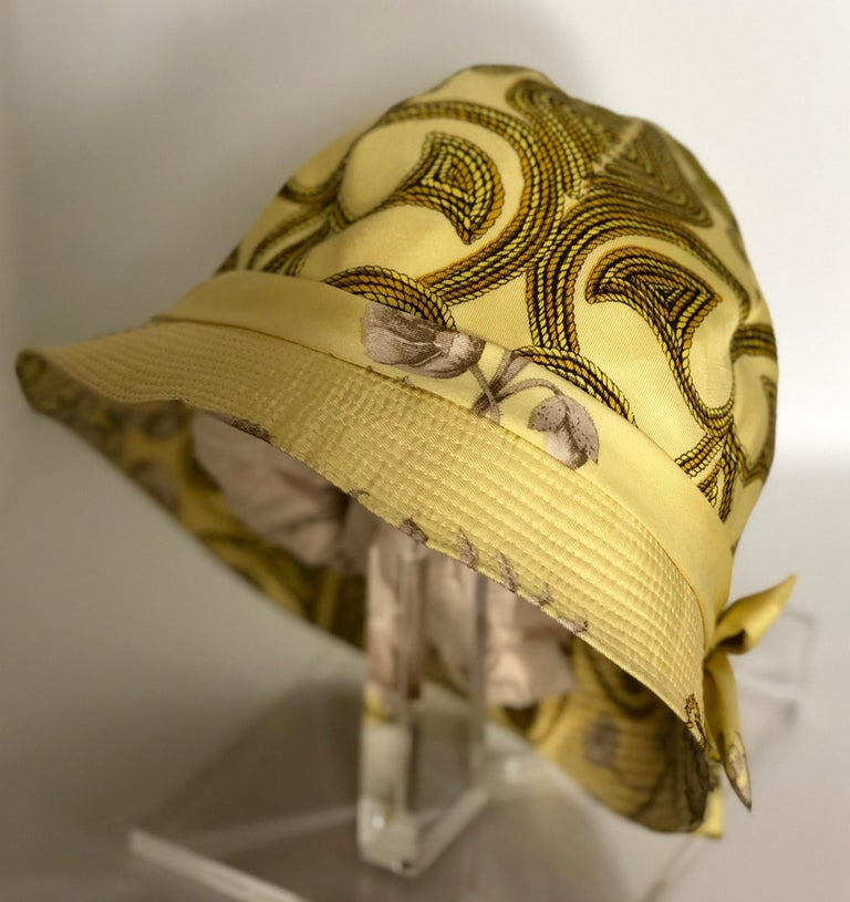 Vintage Hermes Yellow, Gold & Ivory Silk Cloche / Bucket Hat w/ Bow For Sale 7