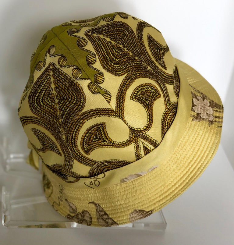 Vintage Hermes Yellow, Gold & Ivory Silk Cloche / Bucket Hat w/ Bow For Sale 5