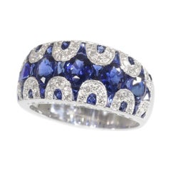 Vintage High Quality 1970s Ring with Diamonds and Sapphire, Great Model