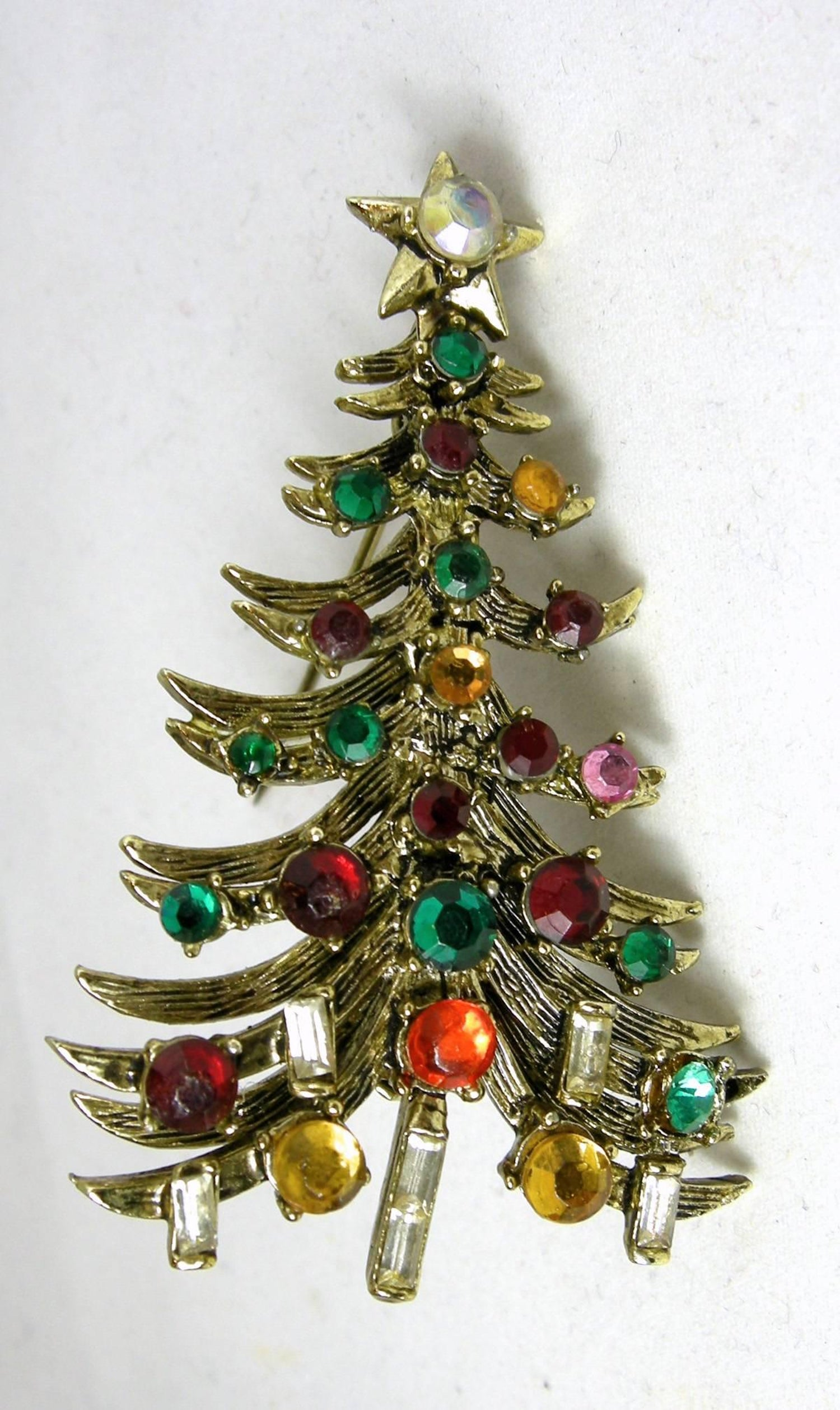 d783c5d48 Vintage Hollycraft Christmas Tree and Earrings set at 1stdibs