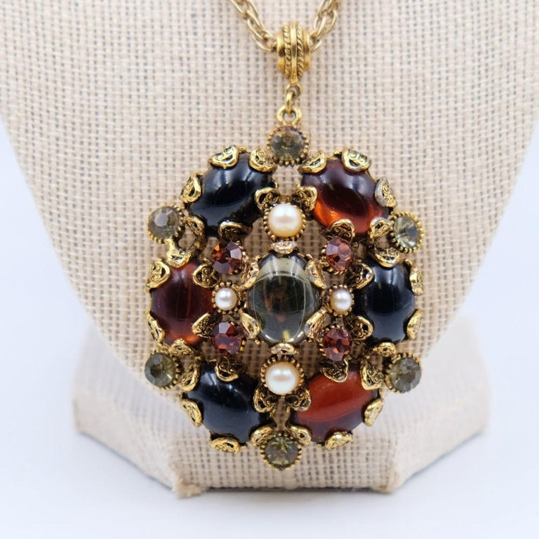 Vintage Hollycraft Pendant Necklace 1950s In Excellent Condition For Sale In Austin, TX