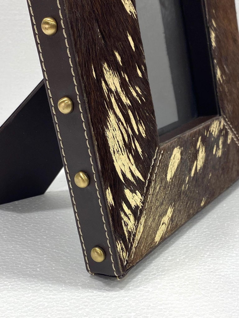 Vintage Hollywood Regency Cowhide and Gold Metallic Picture Frame In Excellent Condition For Sale In Fort Lauderdale, FL