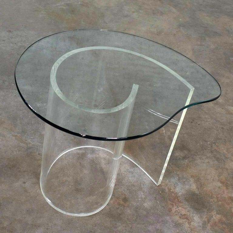 Vintage Hollywood Regency Lucite Snail Spiral End Table Kidney Shaped Glass Top For Sale 6