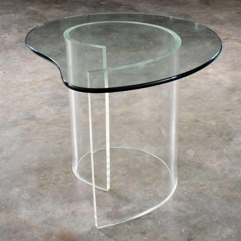 Vintage Hollywood Regency Lucite Snail Spiral End Table Kidney Shaped Glass Top For Sale 2
