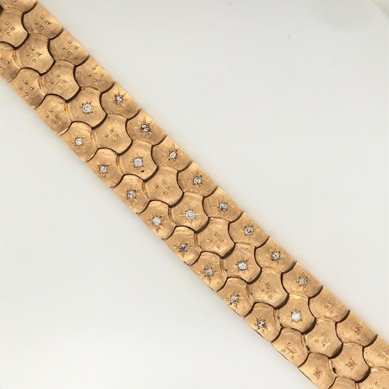 Retro Vintage Honeycomb 14 Karat Yellow Gold Diamond Bracelet 0.60 Carat For Sale