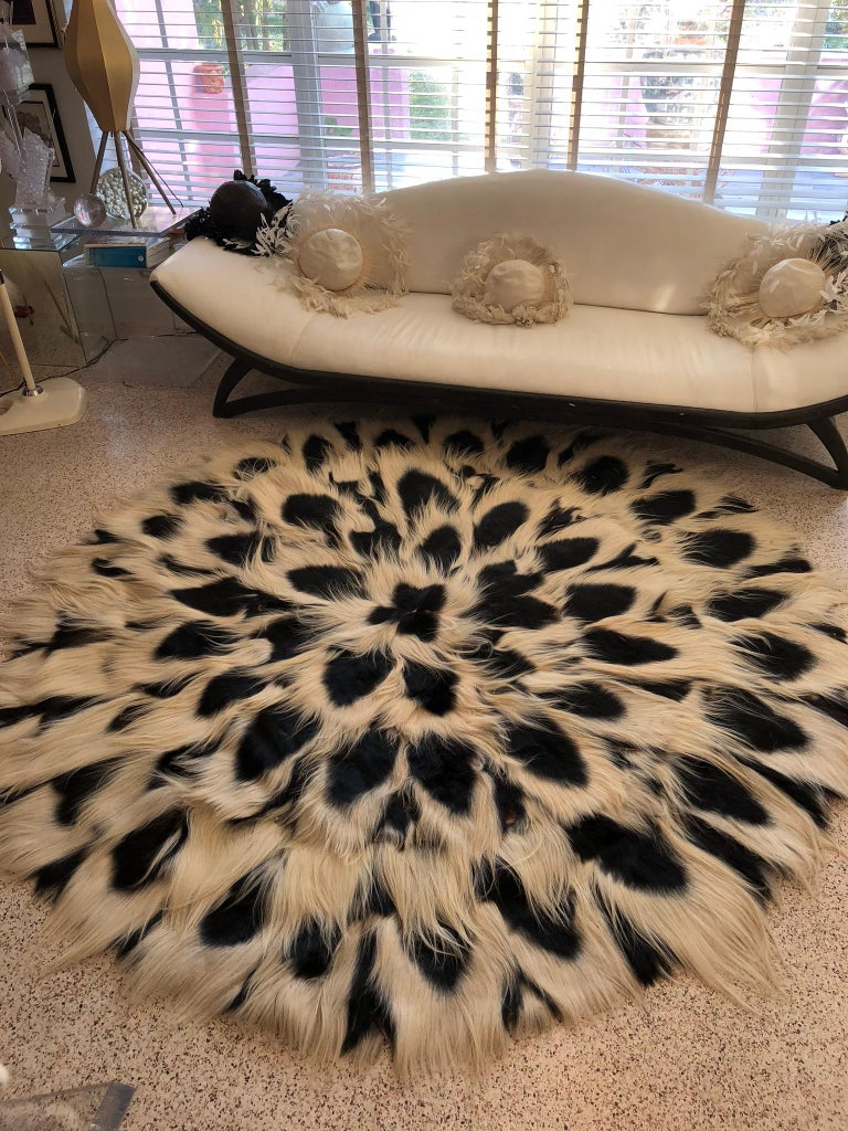 Vintage Huge 8.50' D Circular Palace Size Colobus Monkey Fur Floor Rug C 1969 Xl For Sale 3