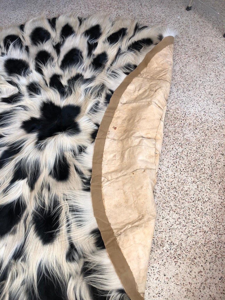 Vintage Huge 8.50' D Circular Palace Size Colobus Monkey Fur Floor Rug C 1969 Xl For Sale 7